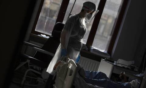 Kορονοϊός: Στο μικροσκόπιο οι περιοχές με βαρύ επιδημιολογικό φορτίο - «Έρχονται δύσκολοι μήνες»