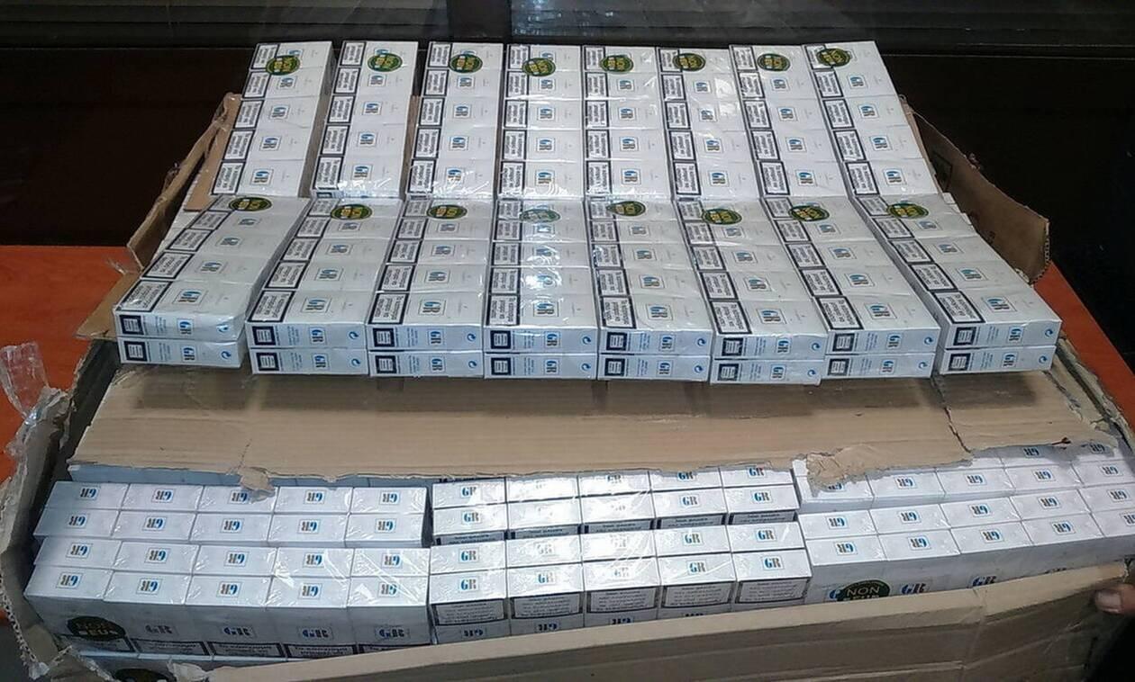 Καλλιθέα: Τους τσάκωσαν με 6.824 πακέτα λαθραία τσιγάρα