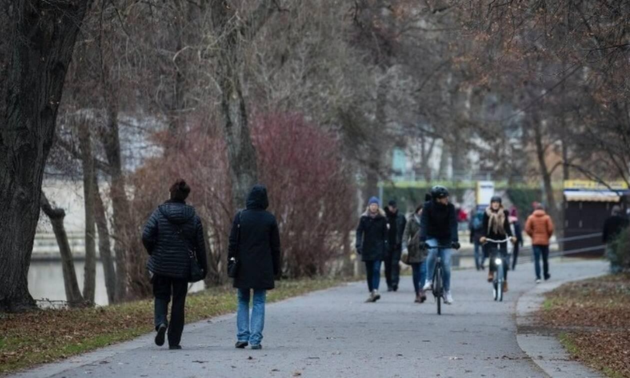 Κορονοϊός: «Καμπανάκι» από τον ΠΟΥ - «Πολύ νωρίς για χαλάρωση μέτρων στην Ευρώπη»