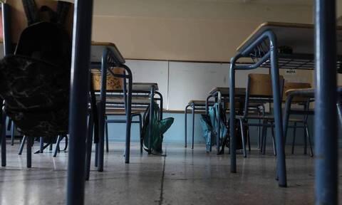 Lockdown: «Κληρώνει» σήμερα για γυμνάσια και λύκεια στη σχεδόν «κόκκινη» Αττική