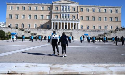 Lockdown: Θρίλερ για την Αττική – «Μαραθώνιος» για σχολεία, καταστήματα, απαγόρευση κυκλοφορίας
