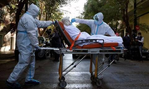 Κορονοϊός: Συναγερμός στους λοιμωξιολόγους - Δεν πάνε καλά τα πράγματα
