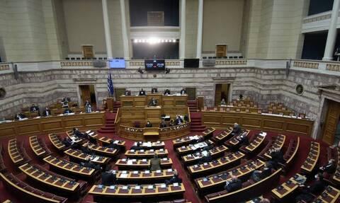 Βουλή: Κατατέθηκε το νομοσχέδιο του υπουργείου Παιδείας