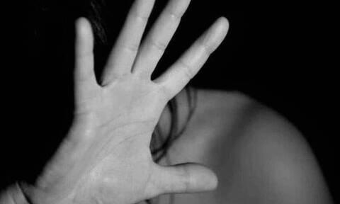 Νέα καταγγελία - Συγκλονίζουν τα λόγια ηθοποιού: «Με ακούμπησε κάτω από τα ρούχα και τον κλώτσησα»