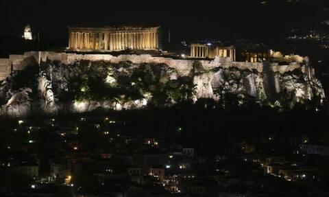 Κρούσματα σήμερα: «Πνίγεται» το κέντρο της Αθήνας – Οι «κόκκινες» περιοχές
