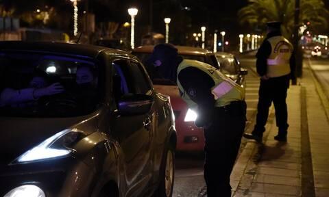 «Κλεφτοπόλεμος» αστυνομικών και νεολαίας στο κέντρο του Ηρακλείου