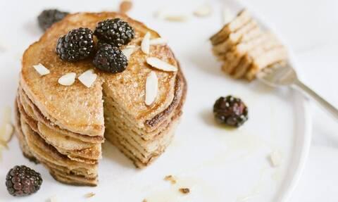 Σουφλέ pancakes με ένα αυγό - Δείτε πώς θα τα φτιάξετε