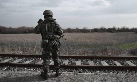 Στρατιωτική θητεία: Τα σενάρια για την υποχρεωτική στράτευση στα 18 - Τι εξετάζει η κυβέρνηση
