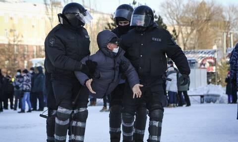 Ρωσία: Στους δρόμους οι Ρώσοι για την απελευθέρωση του Ναβάλνι - Πάνω από 5.000 οι συλλήψεις