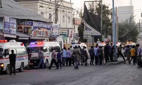Σομαλία: Πολύνεκρη επίθεση της Αλ Σεμπάμπ στο κέντρο της πρωτεύουσας Μογκαντίσου