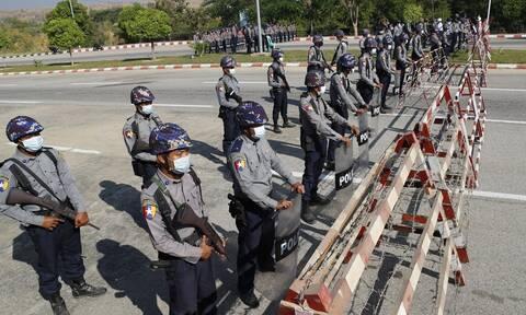 Σε εξέλιξη στρατιωτικό πραξικόπημα στη Μιανμάρ