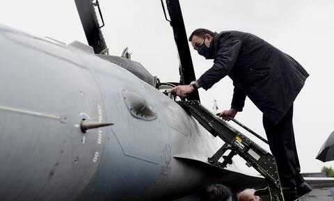 Νίκος Παναγιωτόπουλος: Στην ΕΑΒ ο υπουργός Άμυνας - Αυτοψία στο αναβαθμισμένο F-16 Viper