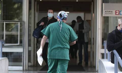 Εξετάζεται η ένταξη των υγειονομικών στα βαρέα και ανθυγιεινά επαγγέλματα