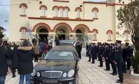 Έβρος: Ράγισαν καρδιές για τον άτυχο αρχιπυροσβέστη - Κηδεύτηκε με τιμές ήρωα