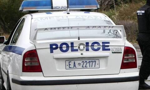 Αγρίνιο: Πλάκωσε την κόρη του στο ξύλο και της έκανε και μήνυση!