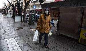 Власти Греции рассматривают возможность введения комендантского часа с 18:00