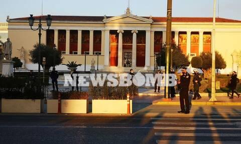 «Φρούριο» το κέντρο της Αθήνας - Συγκέντρωση για τον Κουφοντίνα στα Προπύλαια