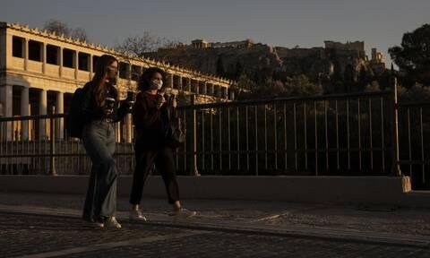Κορονοϊός: Εκρηκτική η κατάσταση στην Αττική - «Ακαριαία λήψη μέτρων» προτείνουν οι ειδικοί