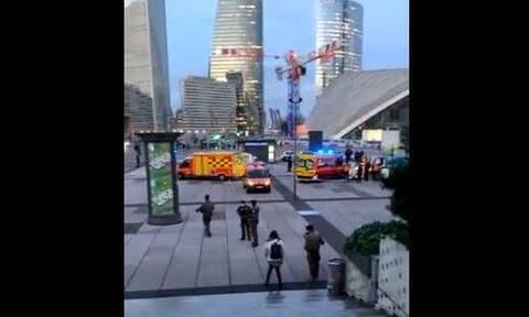 Συναγερμός στο Παρίσι: Φορτηγό παρέσυρε πεζούς – Ένας νεκρός