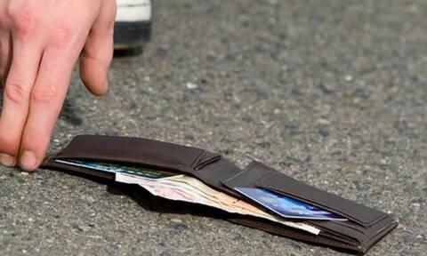 Χανιά: Υπόδειγμα ήθους - Οδηγός απορριμματοφόρου βρήκε χαμένο πορτοφόλι και το παρέδωσε