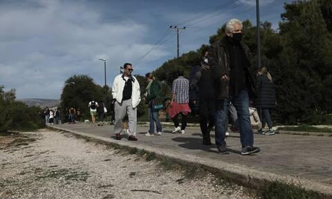 «Σπαζοκεφαλιά» η απαγόρευση κυκλοφορίας μετά τις 6 στην Αττική