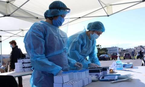 Κρούσματα σήμερα: Ολοταχώς για τρίτη ημέρα με πάνω από 1.000 νέες μολύνσεις