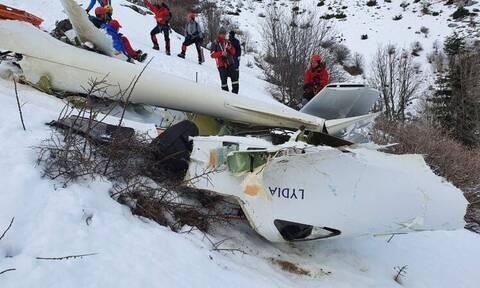 Ιωάννινα: Συγκλονιστικές εικόνες από την ανάσυρση της σορού του 32χρονου πιλότου