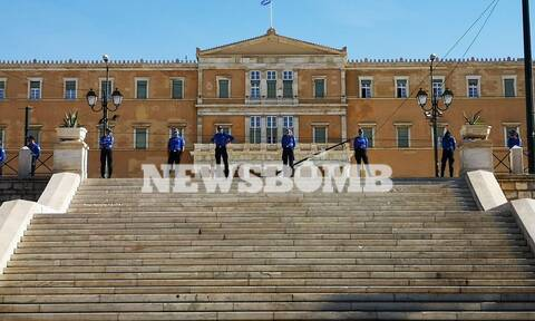 Ρεπορτάζ Newsbomb.gr: Συλλαλητήριο αθλητών - προπονητών στο Σύνταγμα