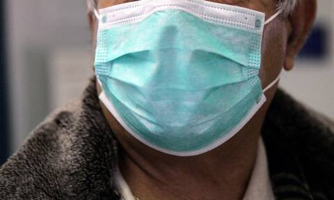 Κορονοϊός: Πού πρέπει να πετάμε τις μάσκες μιας χρήσης;