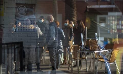 Κορονοϊός: Ο αριθμός των νέων μολύνσεων είναι ο χαμηλότερος από τα τέλη Οκτωβρίου