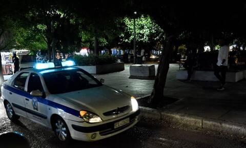 Μολότοφ και γκαζάκια στην Ευελπίδων – Αποκλεισμένη η περιοχή από την ΕΛ.ΑΣ. που ξεκίνησε έρευνες