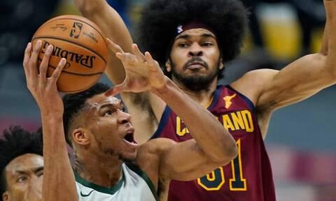 NBA: Μια ομάδα μόνος ο Αντετοκούνμπο - Μαγική εμφάνιση (video+photos)