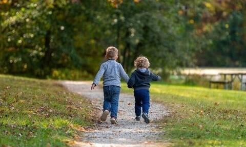 Πανελλήνια Δημοσκόπηση: 89% υπέρ της κοινής ανατροφής των παιδιών μετά από ένα χωρισμό