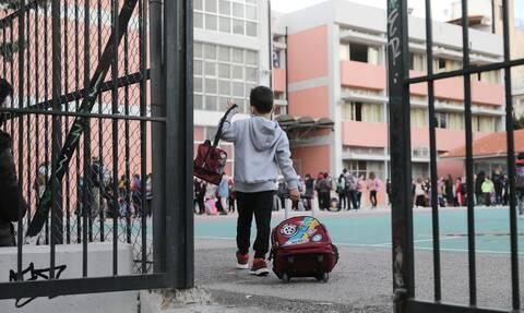 Μετάλλαξη κορονοϊού: Τι ισχύει για παιδιά που νοσούν με μεταλλαγμένο στέλεχος