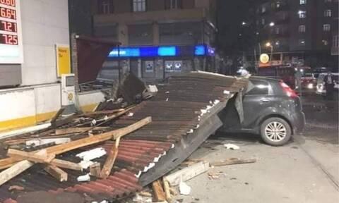 Ανεμοστρόβιλος σάρωσε την Κωνσταντινούπολη – Μεγάλες οι καταστροφές