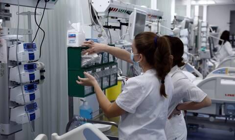 Κορονοϊός: Εφιαλτική επανάληψη του διμήνου Νοεμβρίου-Δεκεμβρίου φοβούνται οι γιατροί