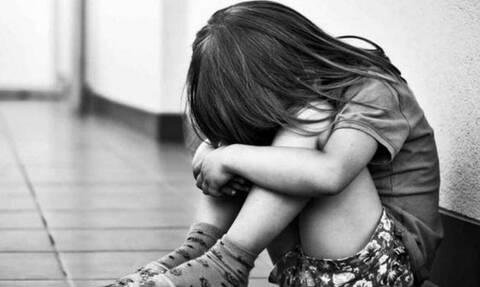 ΕΛ.ΑΣ.: 300 υποθέσεις σεξουαλικής κακοποίησης και πορνογραφίας ανηλίκων σε 1 χρόνο