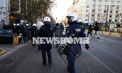 Αθήνα: Επεισόδια σε συγκέντρωση για τον Δημήτρη Κουφοντίνα (vid)