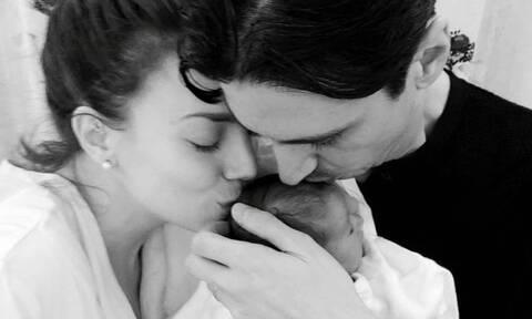 Κρυσταλλία: Η απίθανη φωτογραφία με τον μόλις 1,5 μηνών γιο της