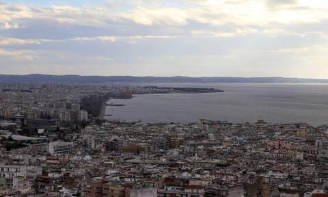 Κορονοϊός στη Θεσσαλονίκη: Καμπανάκι από τον πρύτανη του ΑΠΘ - «Επιστρέψαμε στον Οκτώβριο»