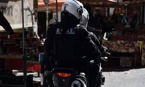 Ληστές ανατίναξαν ΑΤΜ και πυροβόλησαν αστυνομικούς στον Κηφισό