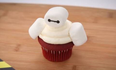 Πώς θα φτιάξετε και εσείς τα cupcakes του Baymax