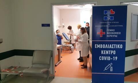 Κορονοϊός: Νεότερα για την κατάσταση της νοσηλεύτριας που παρέλυσε μετά το εμβόλιο