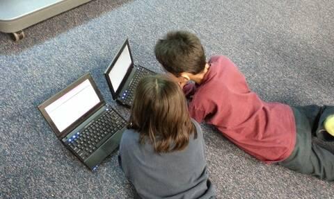 Voucher για αγορά laptop ή tablet:  Πότε ανοίγει η πλατφόρμα - Ποιοι είναι οι δικαιούχοι