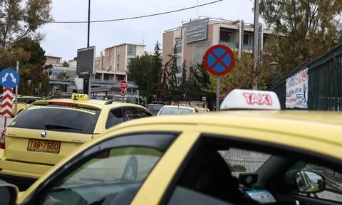 ΠΟΕΙΑΤΑ: Σε κατάσταση ασφυξίας ο κλάδος των ταξί - Η Ευρωπαϊκή Επιτροπή μερίμνησε, η Κυβέρνηση πότε;
