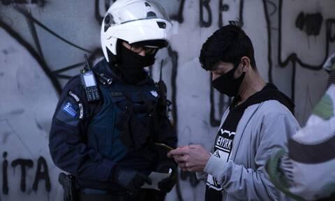 Κορονοϊός – Γώγος: Πόσο προστατεύει η διπλή μάσκα - Αναβαθμίζει τις οδηγίες η επιτροπή