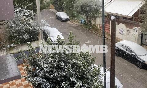 Κακοκαιρία «Μήδεια»: Χιονίζει από Κηφισιά μέχρι Παλαιό Φάληρο