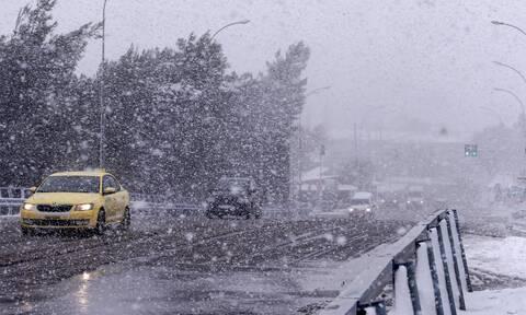 Κακοκαιρία Μήδεια: Αλλάζουν τα δρομολόγια των λεωφορείων στην Αττική λόγω του χιονιά