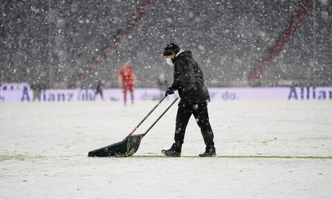 Bundesliga: Απίστευτη χιονόπτωση στο Μόναχο! Διακοπή στο ματς της Μπάγερν (video+photos)