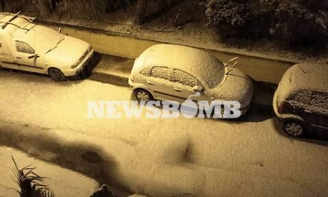 Καιρός ΤΩΡΑ: Πυκνή χιονόπτωση σε όλη την Αθήνα– Μην κυκλοφορείτε